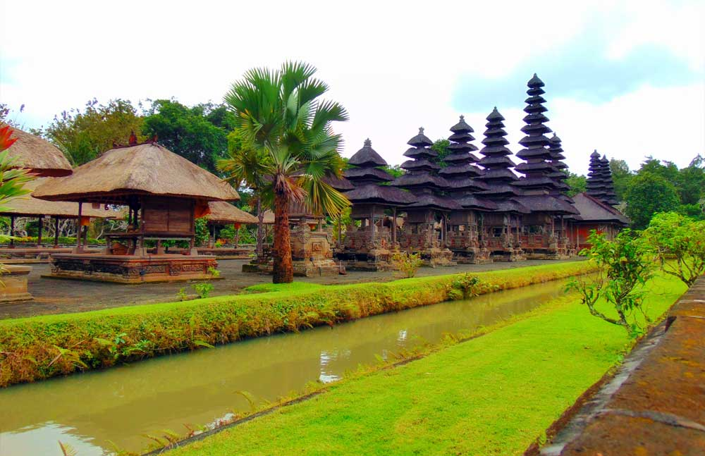 taman-ayun-temple-adi-tour-guide